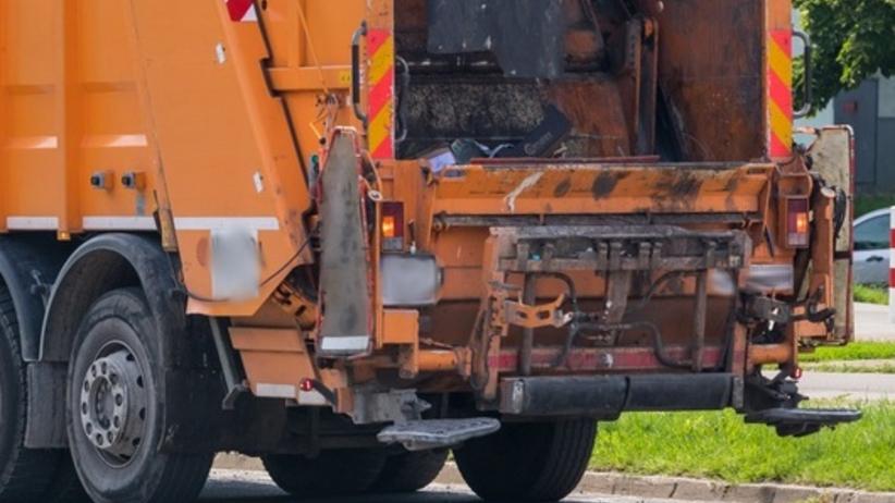 Śmieciarka śmiertelnie potrąciła 80-latka