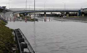 Trasa prowadząca na Lotnisko Chopina pod wodą