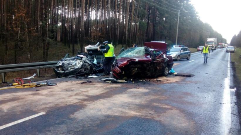 Tragiczny wypadek w Wielkopolsce. Zginęły dwie osoby [FOTO]
