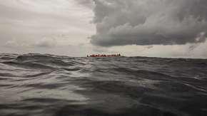 Tragedia na morzu. Zatonął ponton z migrantami. Mogło zginąć nawet 117 osób