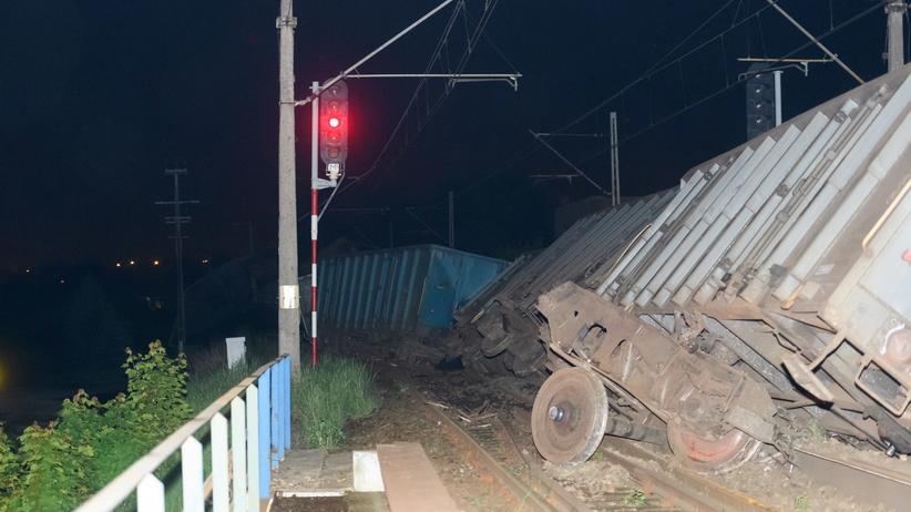 Wronki: pociąg towarowy się wykoleił [FOTO]