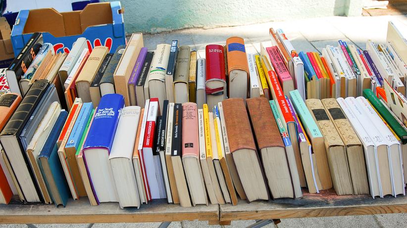 Wsparcie dla 81-latka, który sprzedawał książki, aby walczyć z rakiem