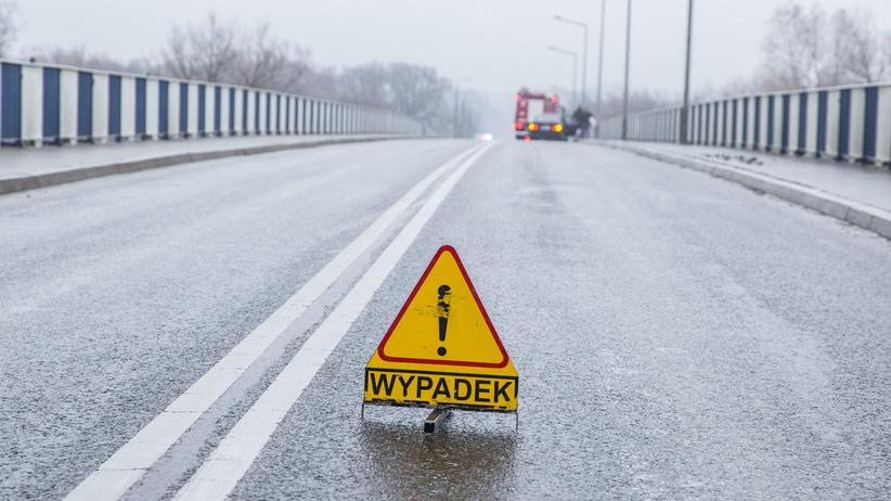 Uwaga, zablokowana autostrada! Na miejscu śmigłowiec Pogotowia Ratunkowego
