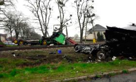 Pendolino wbił się w ciężarówkę pod Opolem. Są ranni [GALERIA]