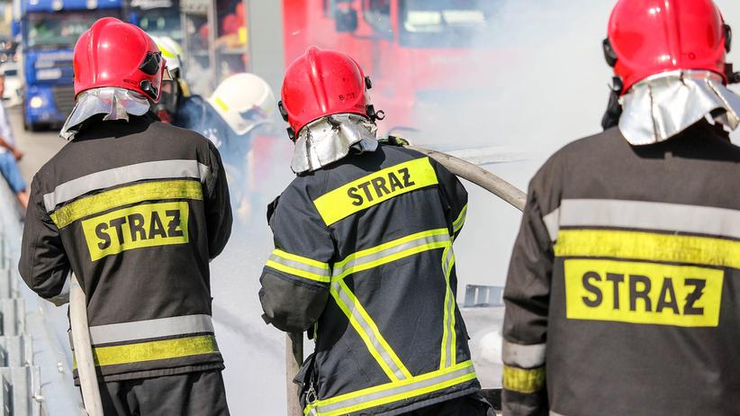 Wypadek w Nieporęcie. Auto stanęło w płomieniach