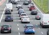 Uwaga kierowcy! Wypadki  i zablokowane przejazdy, pożar auta na A1
