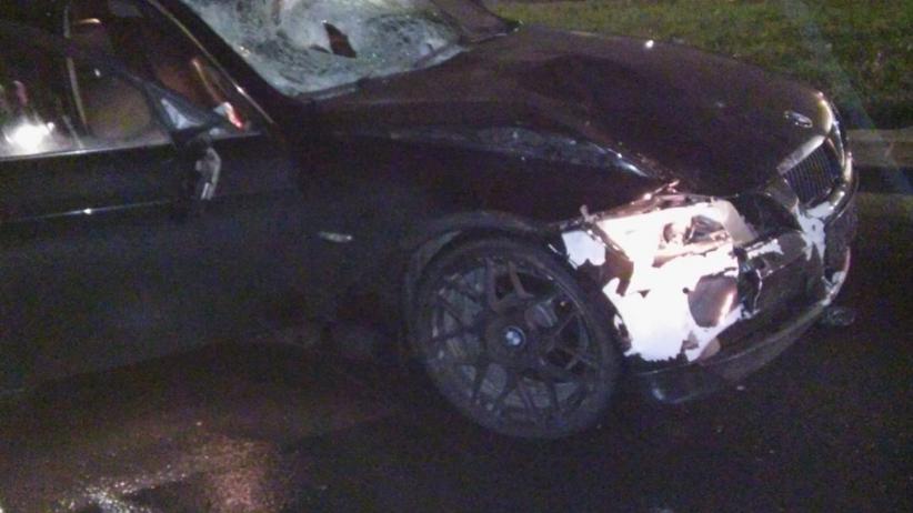 Śmiertelne wypadki z udziałem BMW. Policjant ostrzega kierowców