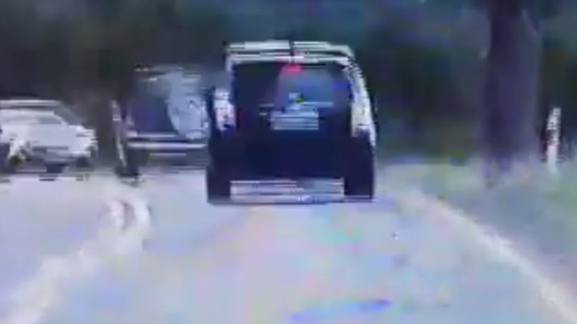 Czołowe zderzenie dwóch aut