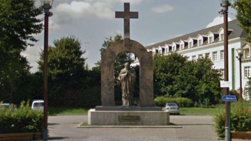 Zakopane zadeklarowało, że przyjmie niechciany we Francji pomnik Jana Pawła II