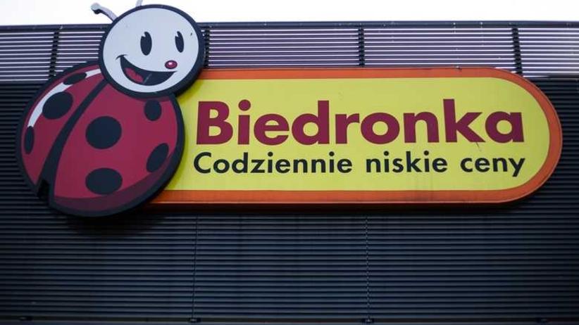 Szokujące zdjęcie klientki Biedronki. W sklepowej lodówce... brud i pleśń [FOTO]