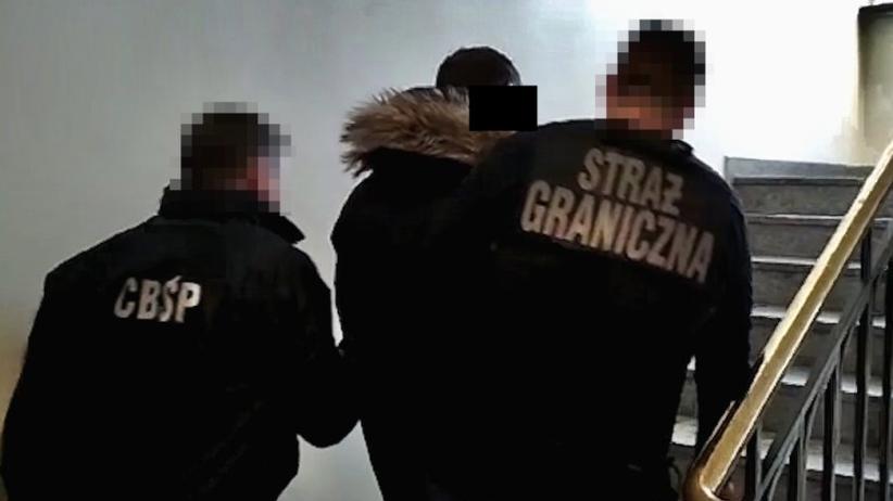 Zatrzymano 16 osób podejrzanych o udział w gangu przemycającym cudzoziemców. Mieli zarobić ok. 920 tysięcy euro