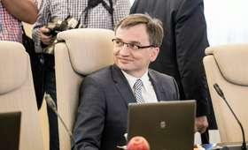 Zbigniew Ziobro obchodzi urodziny. To on broni reformy sądownictwa PiS [MEMY]