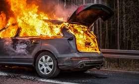 Wypadek na A4. Samochód stanął w płomieniach