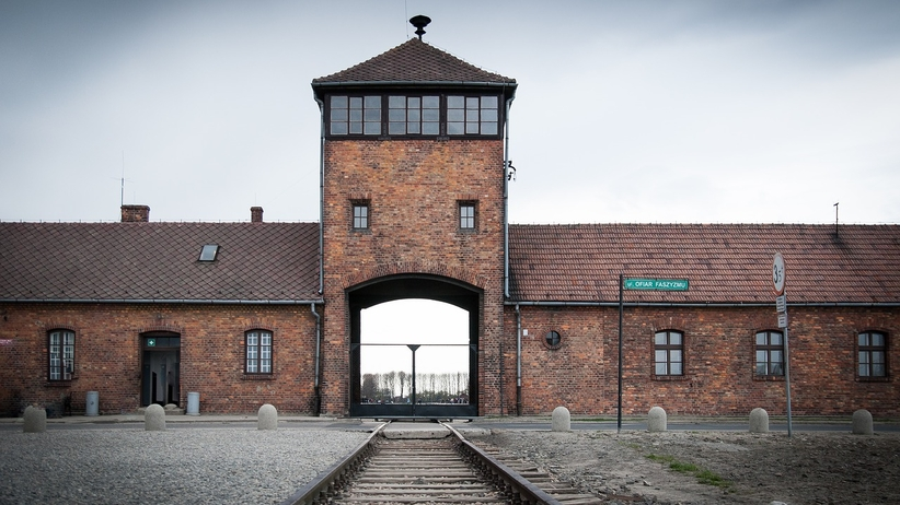 """ZDF i """"polskie obozy śmierci"""". Prawnik Karola Tendery idzie do Sądu Najwyższego"""