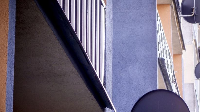 29-latka wypadła z balkonu. ''Walczy o życie w szpitalu''
