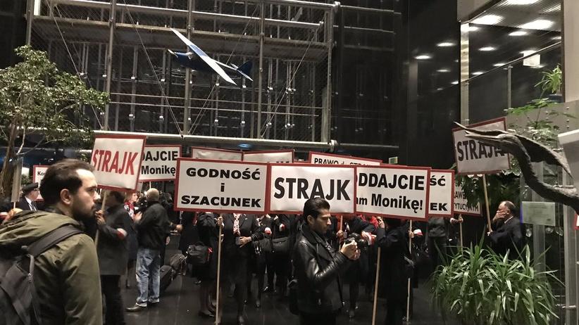 Strajk związkowców LOT-u