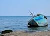 Nowy sposób działania migrantów. Przypłynęli na skradzionej łodzi