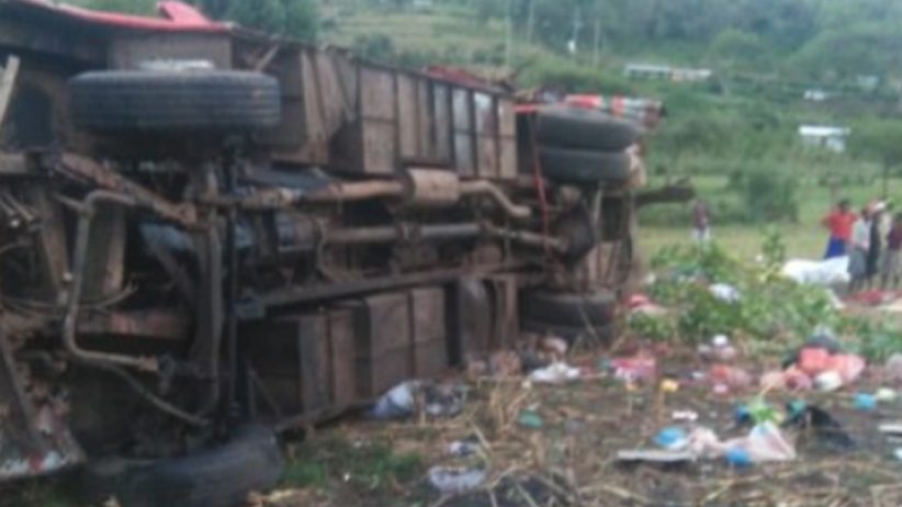 Dziesiątki zabitych w wypadku autokaru