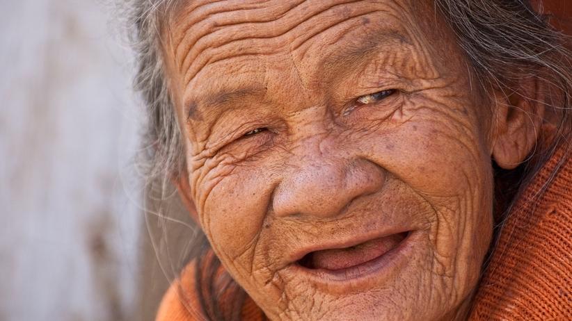 96-latka spełniła swe marzenie: poszła do liceum. Cztery lata temu nauczyła się pisać