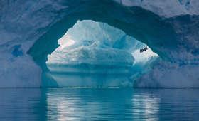 Antarktyda topnieje w zastraszającym tempie. Skutki mogą być katastrofalne