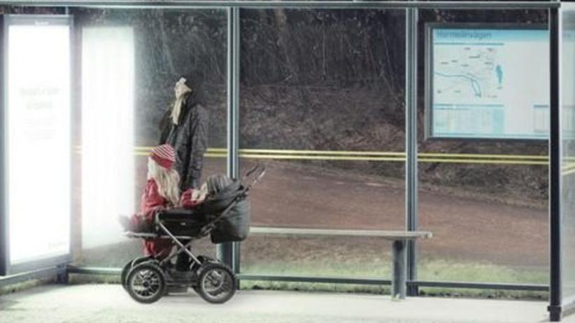 Szwedzi walczą z brakiem słońca. Zaprojektowali antydepresyjne przystanki autobusowe