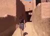 Wiemy już, co spotkało Saudyjkę za wyjście na spacer w minispódnicy