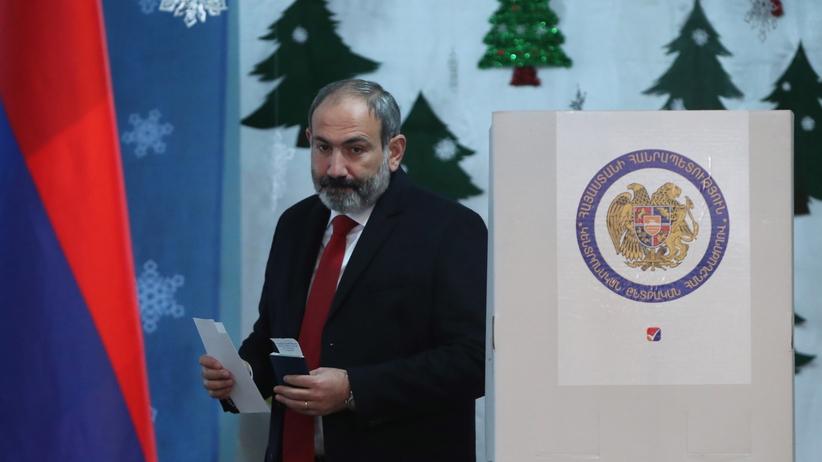 Armenia. Blok premiera Nikola Paszyniana wygrał wybory parlamentarne
