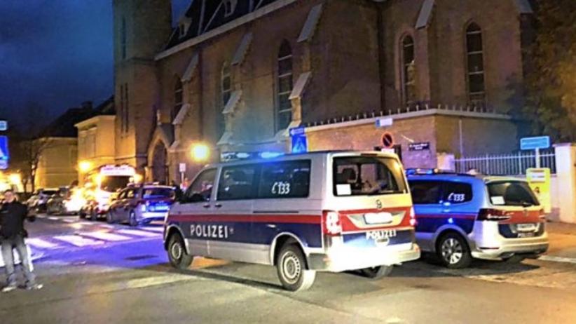 Austria. Napad w kościele w Wiedniu. Co najmniej 15 rannych. Trwa obława za sprawcami