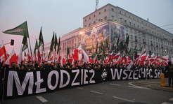 ''W cieniu skrajnej prawicy'' i ''opozycyjny bojkot''. BBC napisało o Marszu Niepodległości