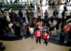 Bezdomny ukradł 300 tys. euro na lotnisku w Paryżu. Szuka go policja
