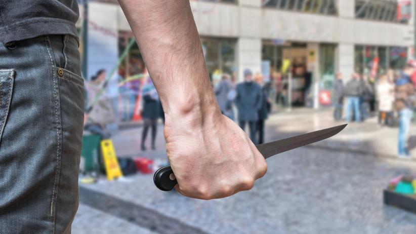 Nastolatek zaatakował w szkole. Użył noża. Dwie osoby nie żyją