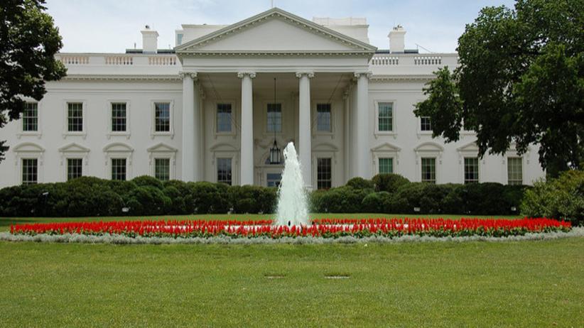 Szef PR w Białym Domu podał się do dymisji