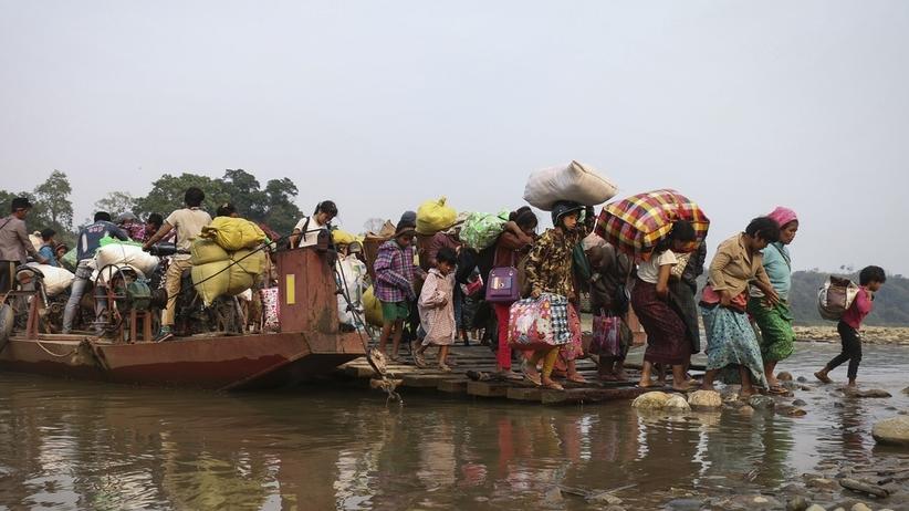 Birma: Ludzie uciekają przed walkami w stanie Kaczin