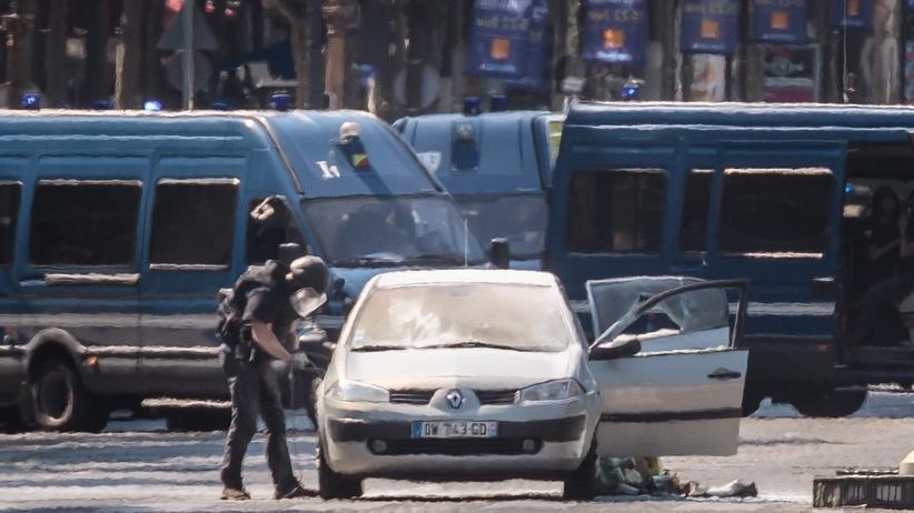 Francuska telewizja: Zamachowiec z Paryża ma polskie korzenie