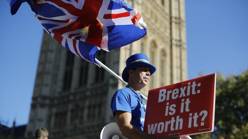 Brexit. Donald Tusk przestrzega przed brakiem porozumienia z Londynem