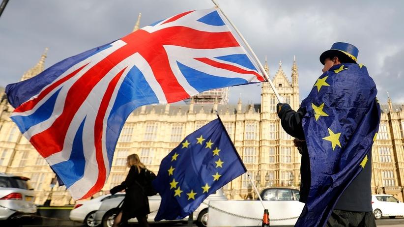 Brexit. Jest wstępne porozumienie Londynu z Brukselą