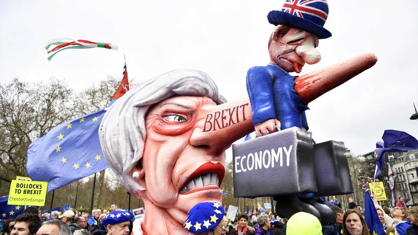 Brexit: Setki tysięcy osób na ulicach Londynu. Nie chcą wychodzić z UE [ZDJĘCIA]