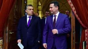 Były premier, skazany na więzienie, uciekł z kraju. Przyjął go Orban