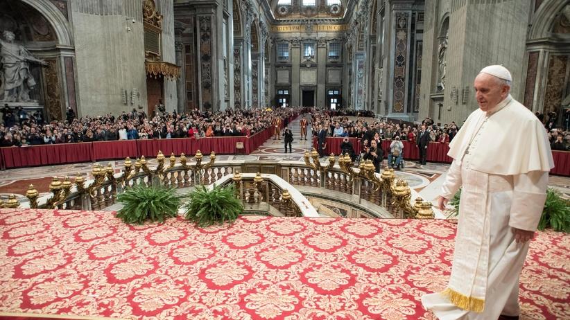 Ile płaci się za odprawienie mszy? Te słowa Franciszka nie spodobają się polskim księżom