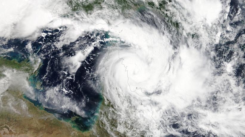 Cyklon Trevor uderzył w Australię. Trwa ewakuacja ok. 2 tys. osób [WIDEO]