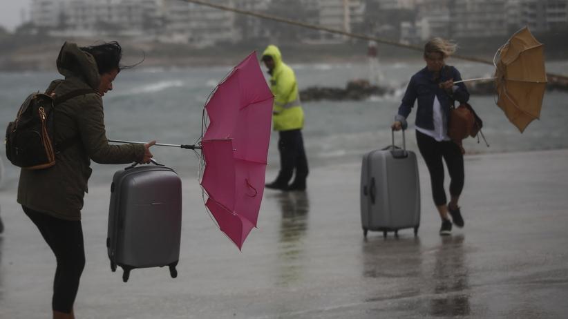 Potężny cyklon uderzył w Europę. Brak prądu i pozamykane szkoły