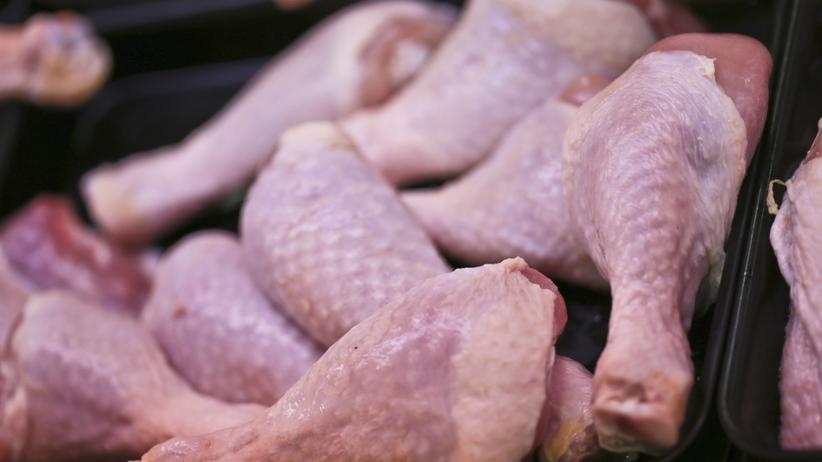 Sprzedano 300 kg polskiego mięsa z salmonellą. ''Zostało prawdopodobnie zjedzone''