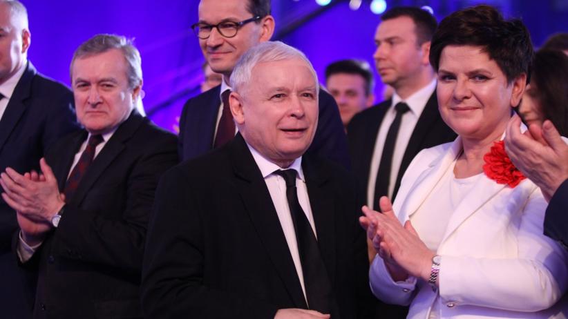 """""""Der Spiegel"""": PiS rozdaje krewnym stanowiska w PE. Skorzystała nawet """"pani Basia"""""""