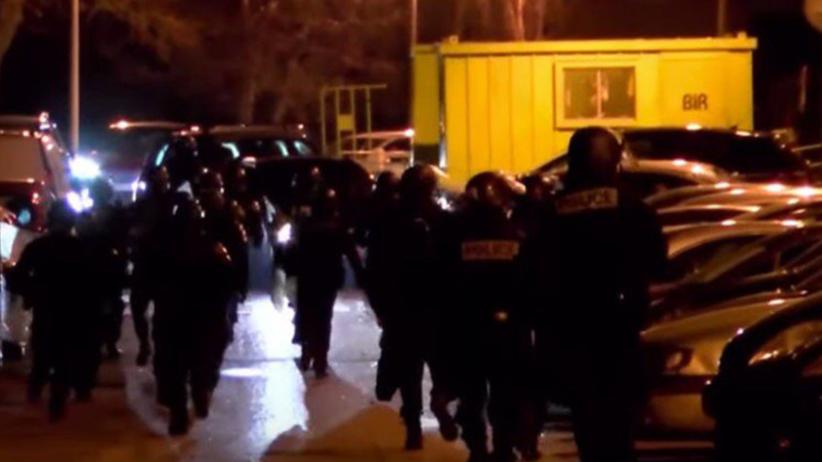 Francja. Kolejna noc zamieszek na przedmieściach Paryża