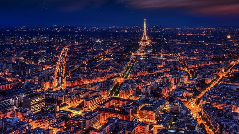 Francja: kurs przeciwko rasizmowi z zakazem wstępu dla białych. Minister zapowiada skargę