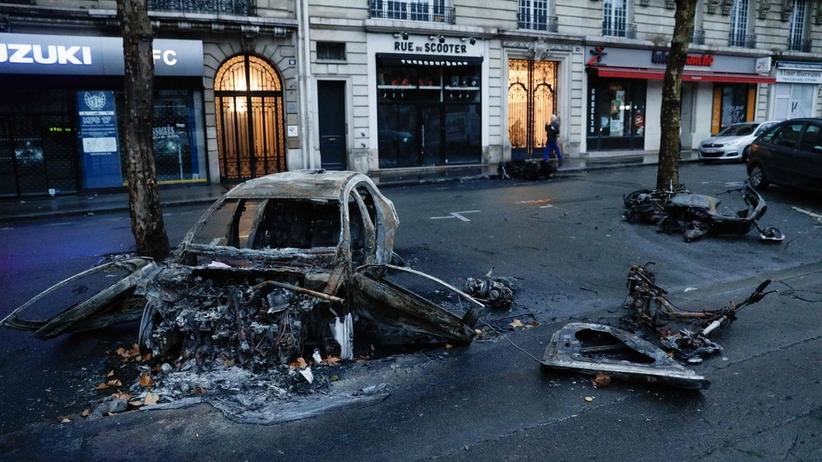 """""""Czarna sobota"""" we Francji. Milionowe straty po protestach w Paryżu"""