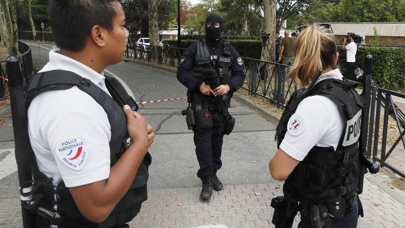 Francja. Atak nożownika pod Paryżem. Jedna osoba nie żyje