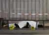 Atak nożownika w Marsylii. Na widok policjantów próbował sięgnąć po broń