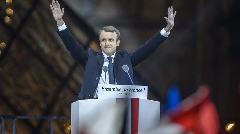 Dymisja rządu we Francji. Macron powoła nowy gabinet