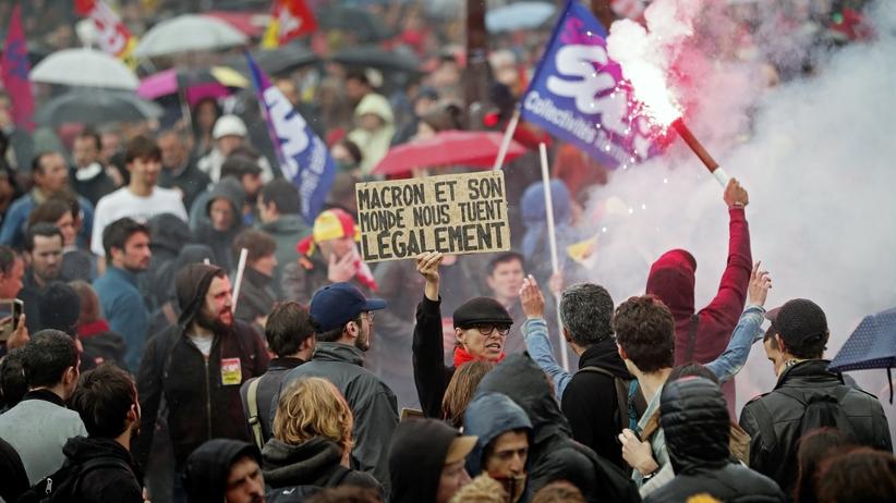 Francja ma dość Macrona? Tysiące ludzi na ulicach Paryża